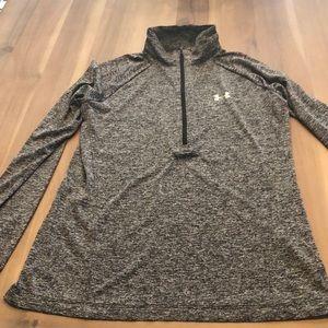 Under Armour 3/4 zipper pullover - Medium